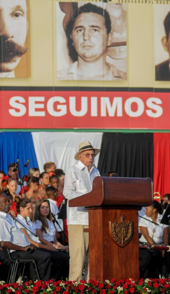 "José Ramon Machado Ventura discursa na cerimônia central do ""Dia da Rebeldia"", 26 de julho / Foto: Jose M. Correa"