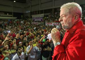 """""""Apoiamos plenamente a mobilização dos trabalhadores brasileiros contra as políticas neoliberais e antipopulares do governo golpista de direita de Temer, e a Lula em sua luta por justiça e democracia social, que desencadeou a fúria de seus oponentes, que desejam inabilitá-lo politicamente"""""""