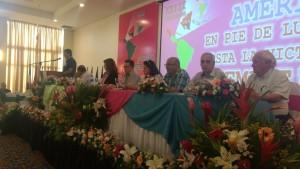 Mesa de apresentação da Declaração Final, José Reinaldo Carvalho (2º da direita para a esquerda) representou o PCdoB na Comissão de Redação