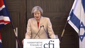 Premiê britânica Theresa May discursa em evento do grupo parlamentar Amigos Conservadores de Israel, em 2016
